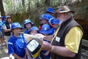Montreal Goldfield guide Bill Shaw answers questions from schoolchildren